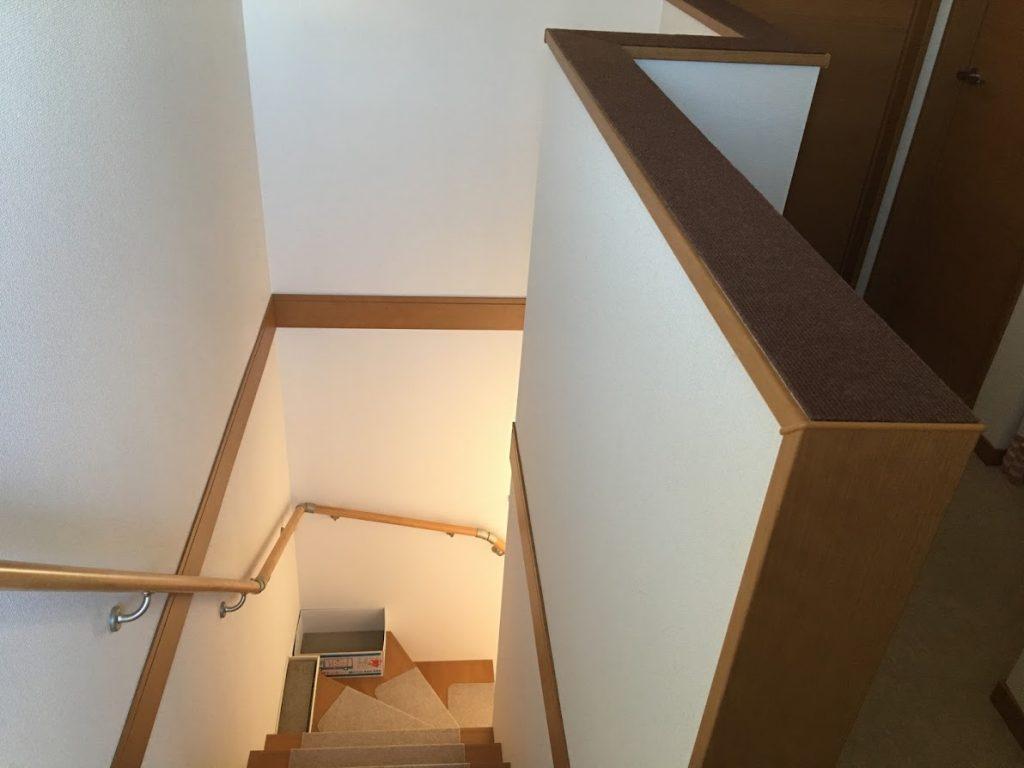 階段への落下防止壁